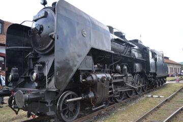 Maďarská parní lokomotiva 424